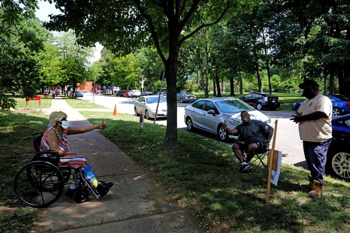 Curbside viistation for residents a Beauvais Manor On the Park