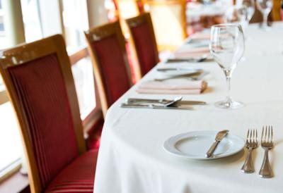 Restaurants Have Changed How Tips Work And Waiters Are