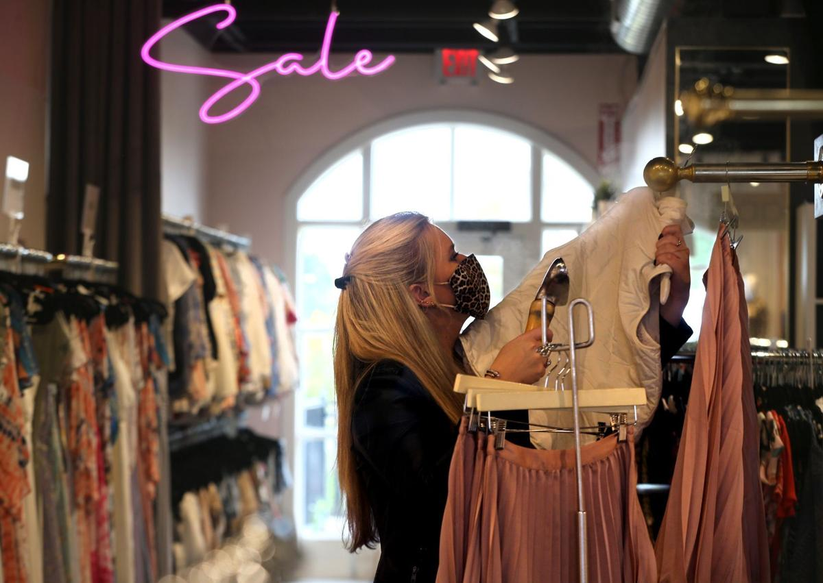 Retail boutiques tout clean habits, set customers at ease
