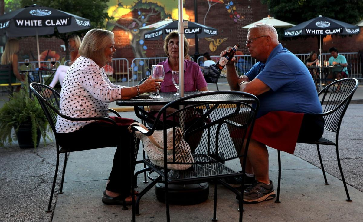 Outdoor dining in Belleville continues