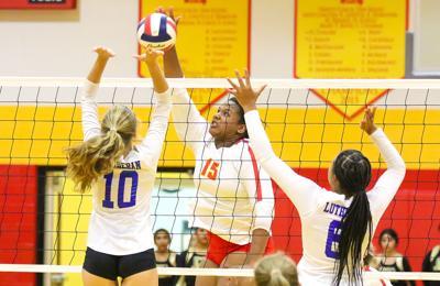 Incarnate Word vs. Lutheran St. Charles girls volleyball
