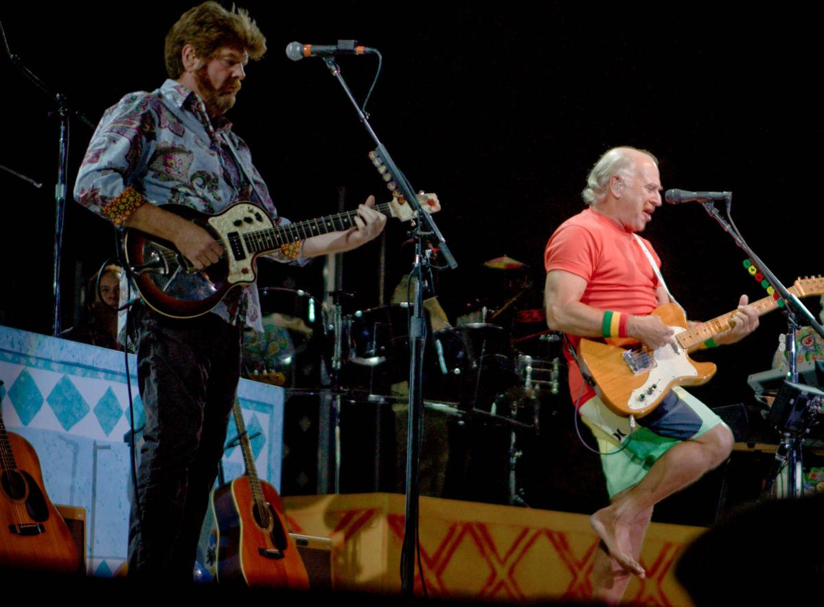 Jimmy Buffett is still playing for the parrot-heads | Concert