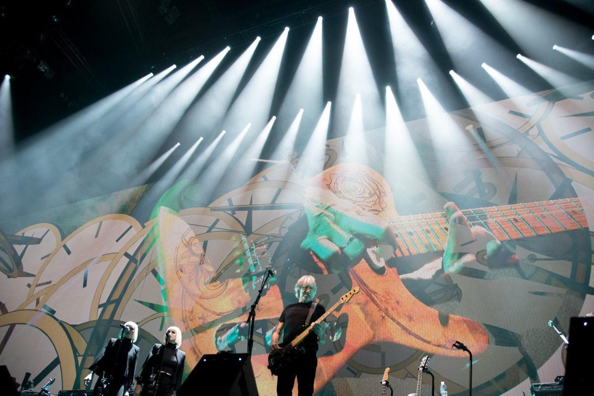 Roger Waters at Scottrade Center