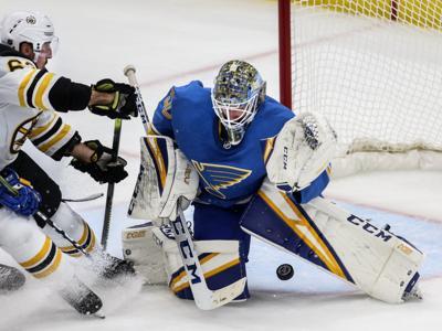 St. Louis Blues take on Boston Bruins