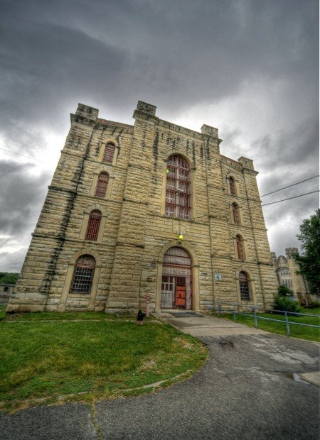 missouri state penitentiary discontinues tours