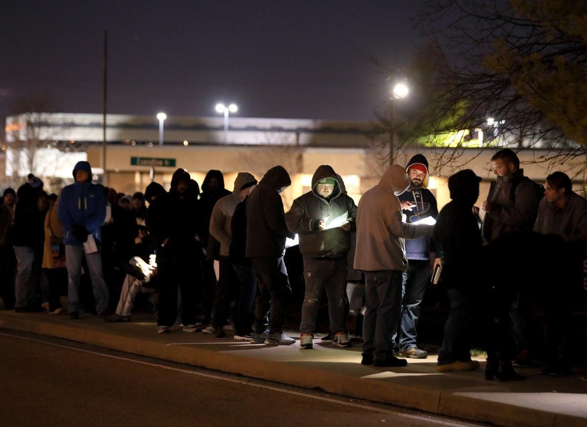 Illinois begins recreational marijuana sales