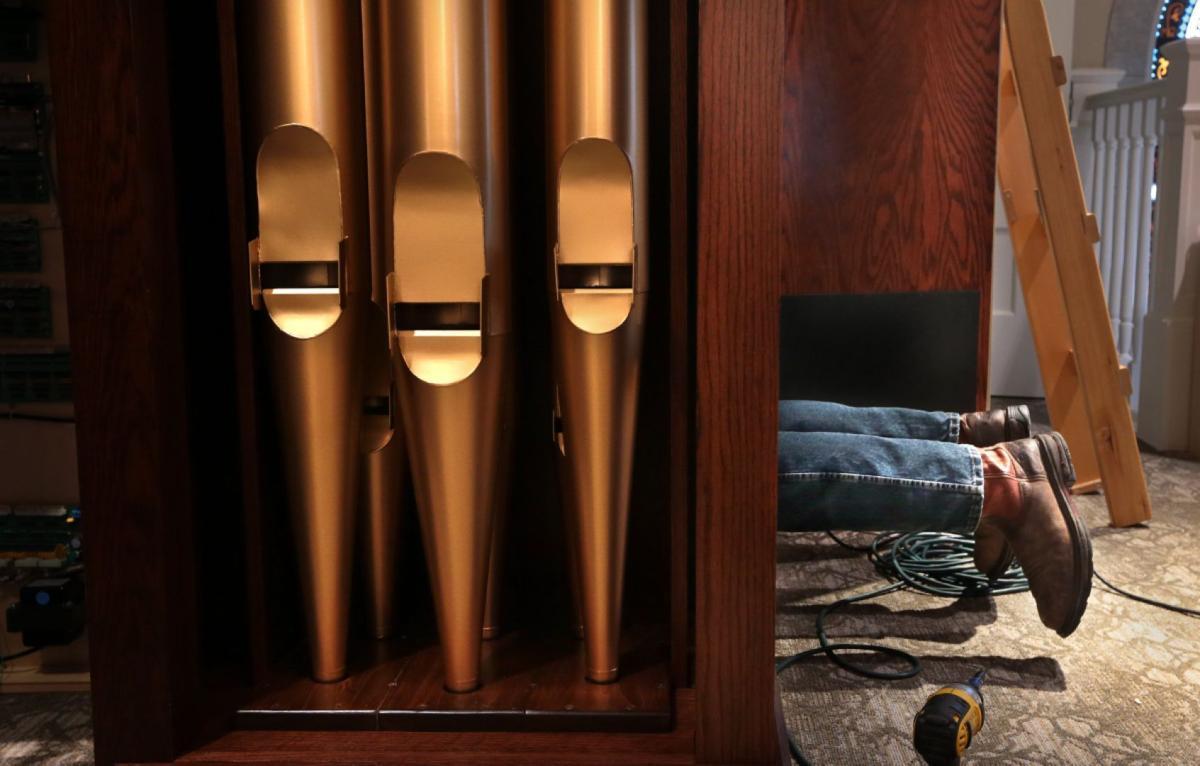 Wicks Organ Co. fights recession, on rebound