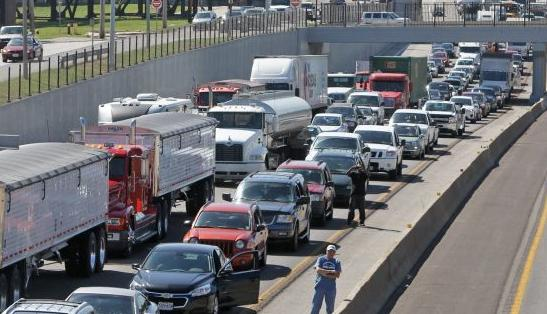 Multi-vehicle accident closes westbound I-70 (copy)