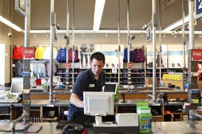 Old Navy in Sunset Hills open on Thanksgiving