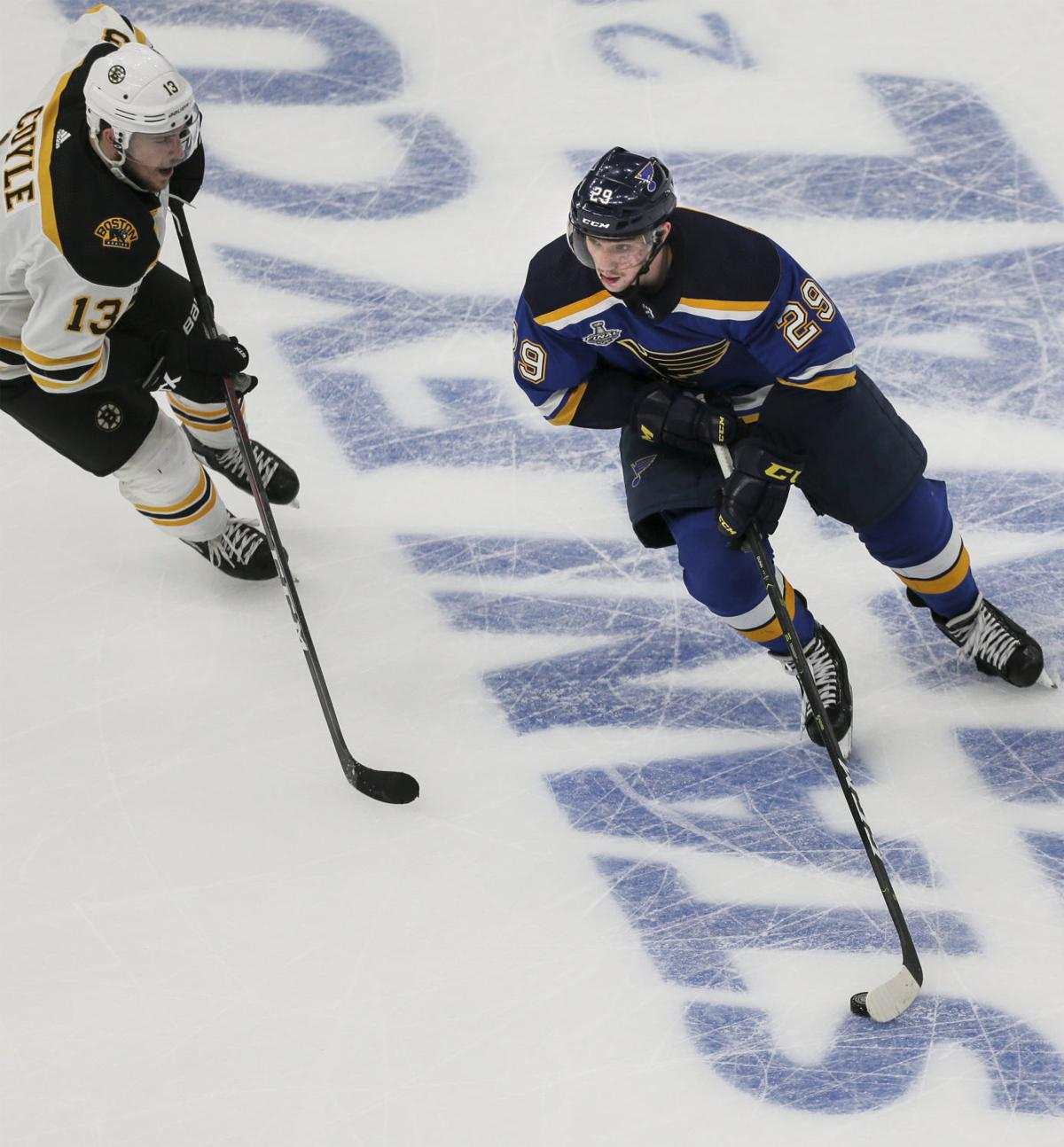 Facetime: Blues' Dunn Shrugs Off Injury In Return To