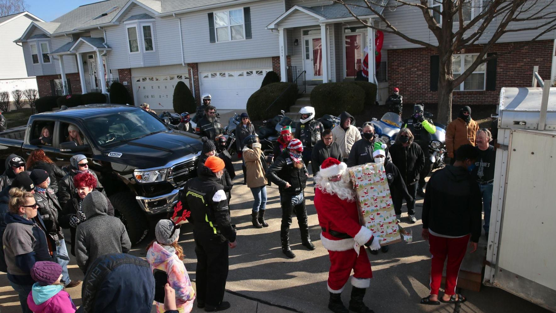 Christmas surprise comes to family of St. Peters 8-year-old undergoing cancer treatment