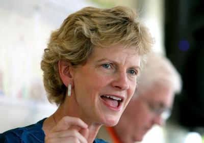 Robin Carnahan campaigning for Senate