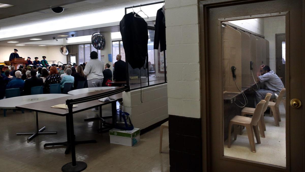 Washington University Prison Education Project graduates first class