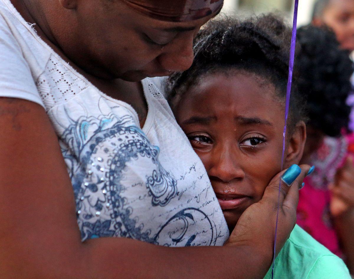 Rembering Jamyla Bolden- Natasha Kelly comforts her daughter Akeelah