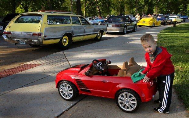 Photo Youngster Shines At St Louis Car Show Metro Stltodaycom - St louis car shows