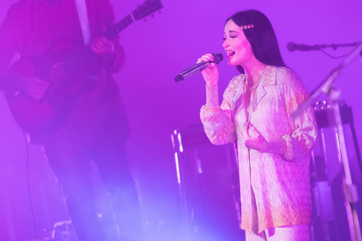 iParty: Kacey Musgraves sings for sold-out crowd at Stifel