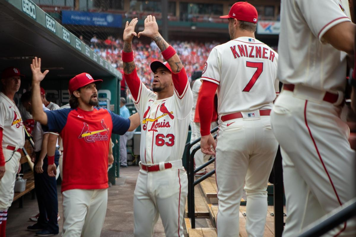 Cardinals try to even up series against Giants