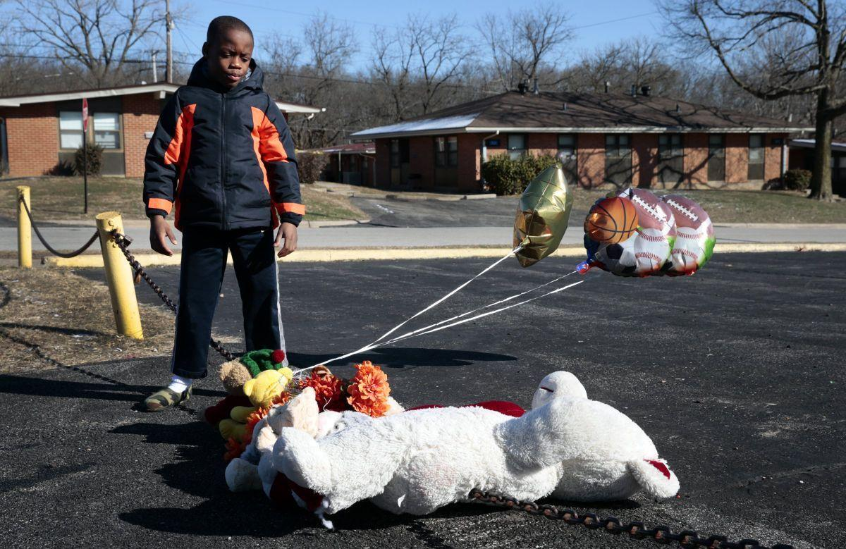 Alton boy, 11, shot and killed at housing complex