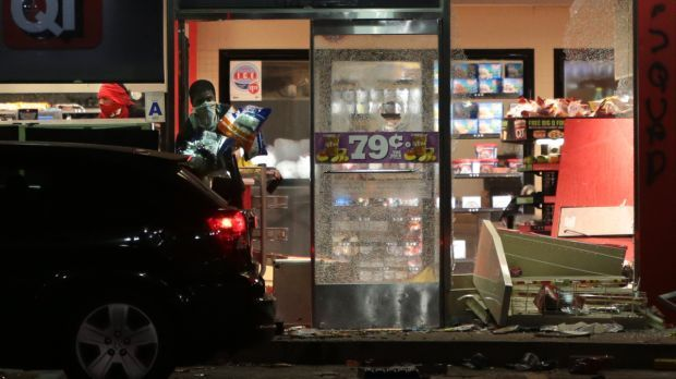 Riot breaks out, store looted