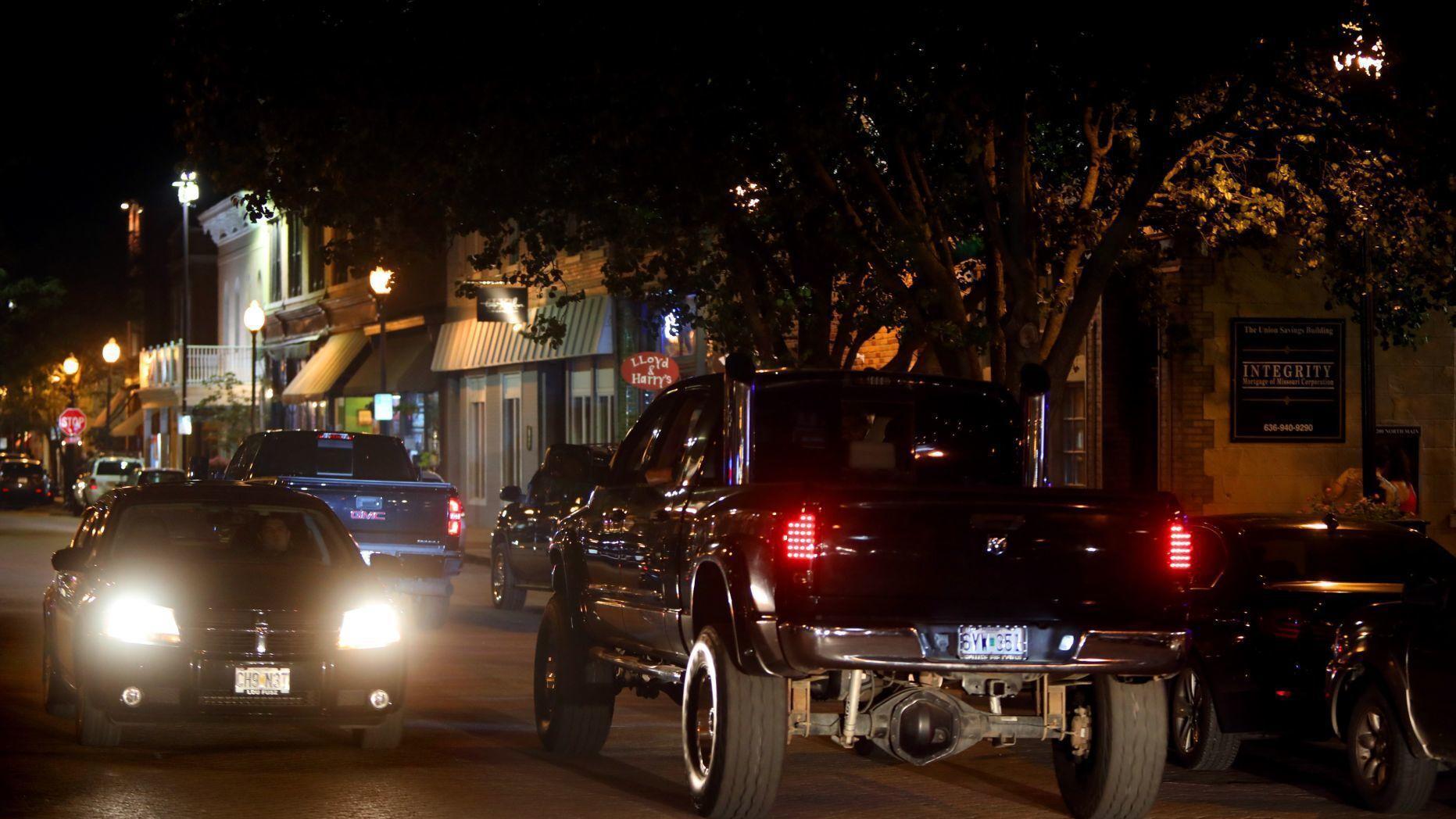 'Mayor Footloose' bans dancing, loud music on some blocks of downtown St. Charles