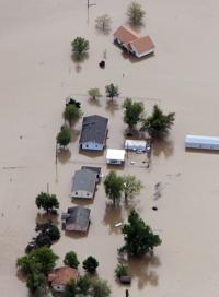 Missouri farmland swamped after levee breach to help Cairo