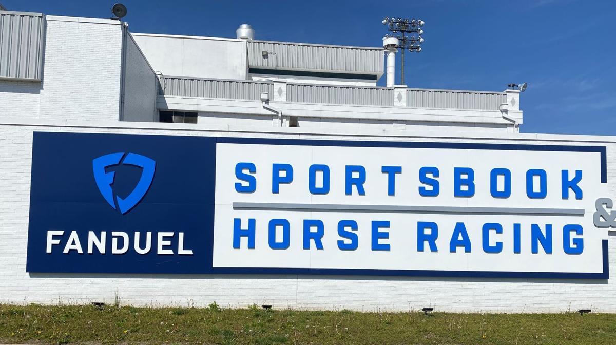 FanDuel Sportsbook & Horse Racing front sign