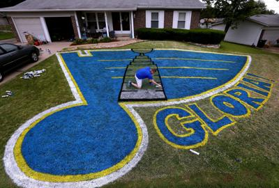 St. Louis Blues fans with logo painted on yards adds Stanley Cup