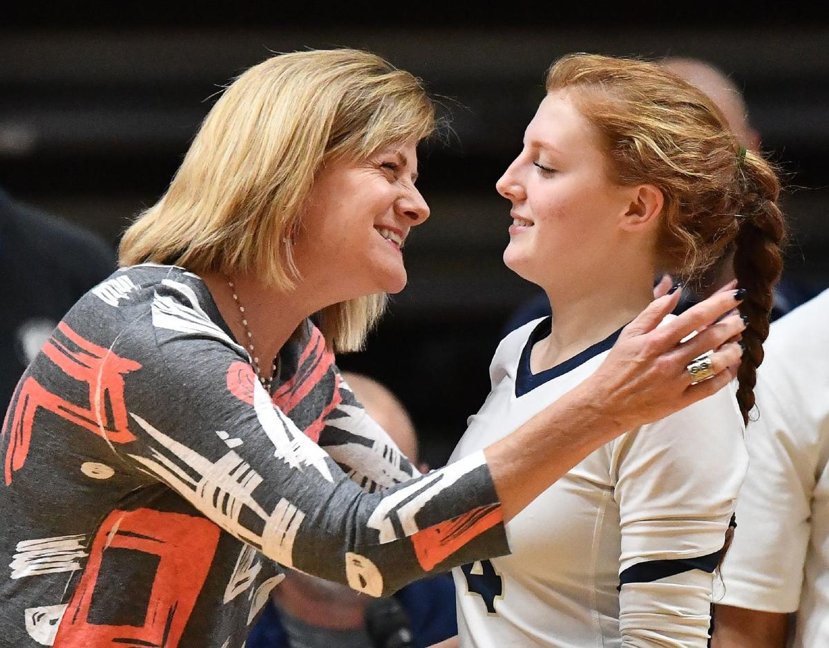 Edwardsville vs Althoff 4A Volleyball Sectional Semifinal