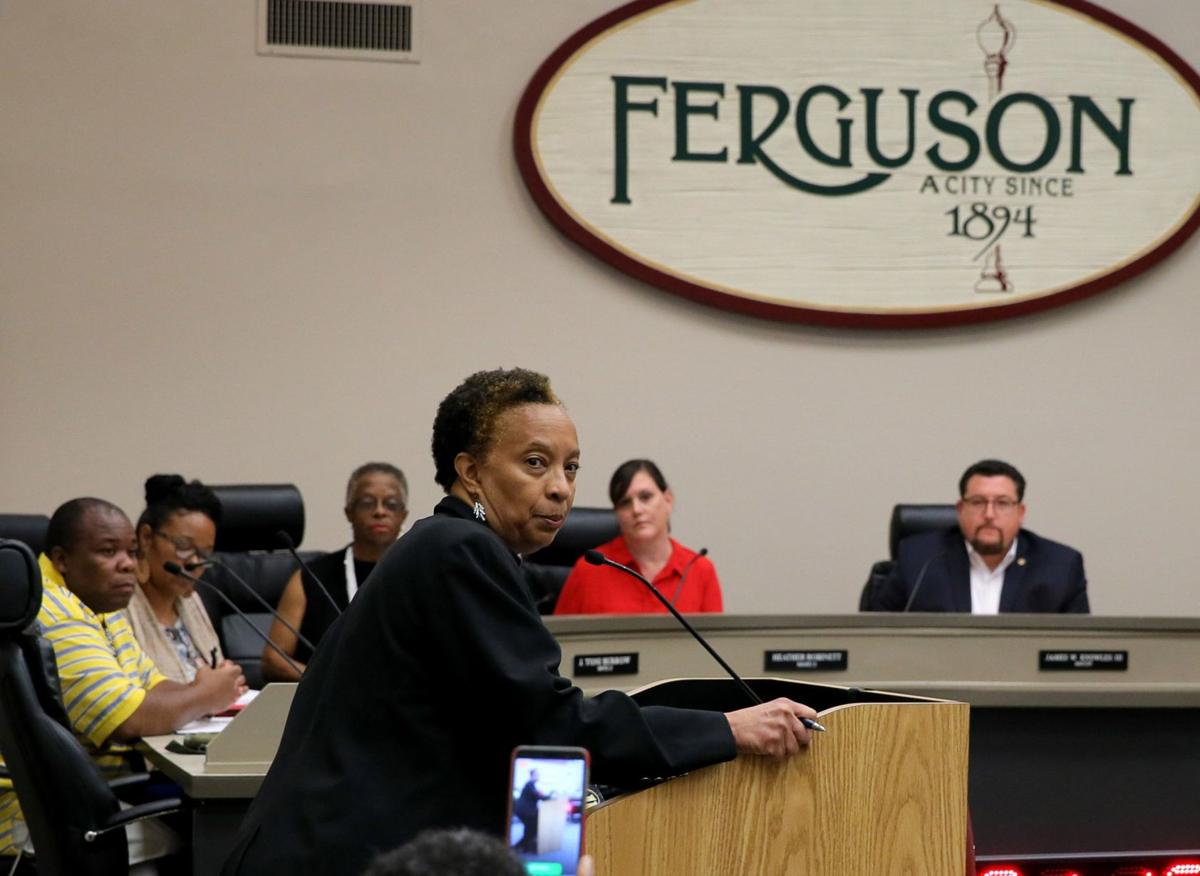 Ferguson votes to hire new police chief
