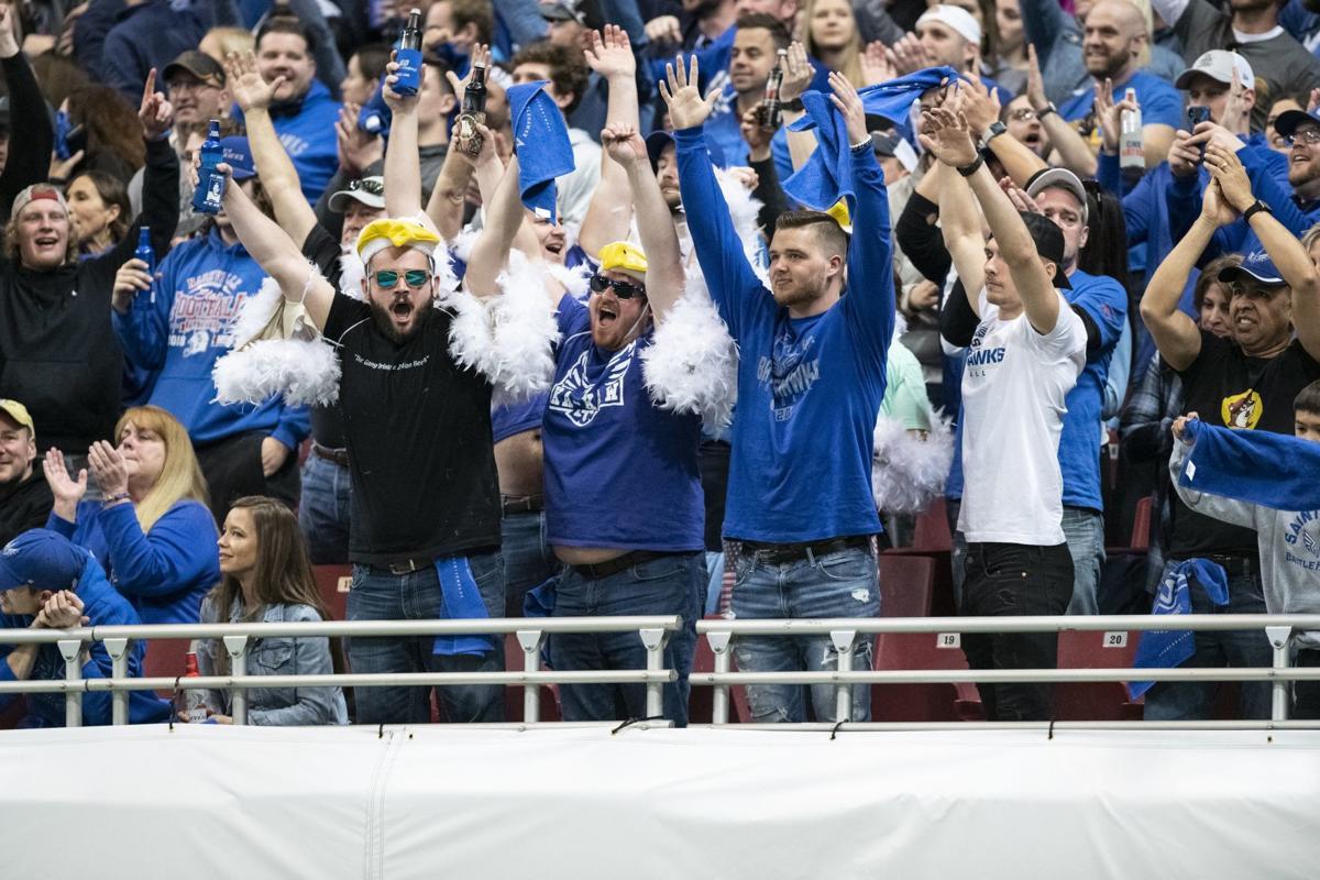 St. Louis BattleHawks play to slay Seattle Dragons