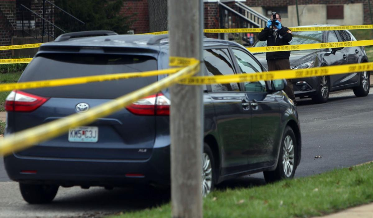 Man found dead in van tied to shooting of woman at Schnucks in Ladue