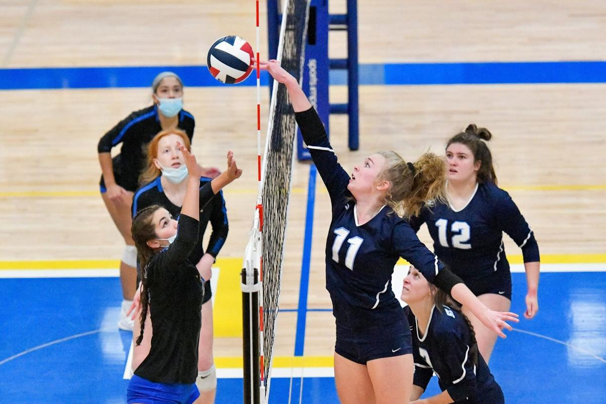 10/31/20 - Girls Volleyball - C5 quarter - Francis Howell vs St. Dominic