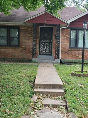 2 Bedroom Home in St Louis - $90,000