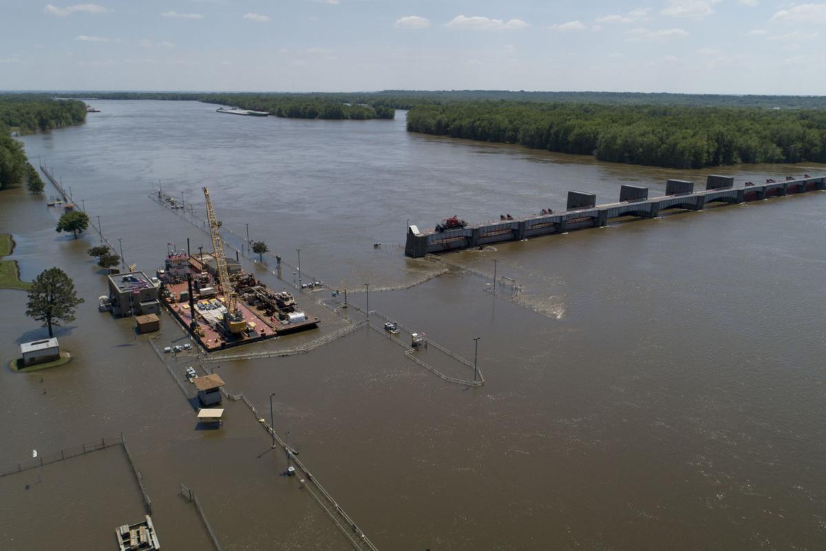 floods-barges