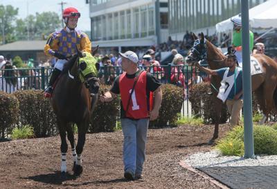 Governor Pritzker announces more racing at Fairmount