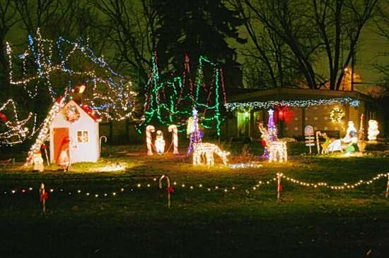Lights dance with holiday spirit - Lights Dance With Holiday Spirit Metro Journals Life Stltoday.com