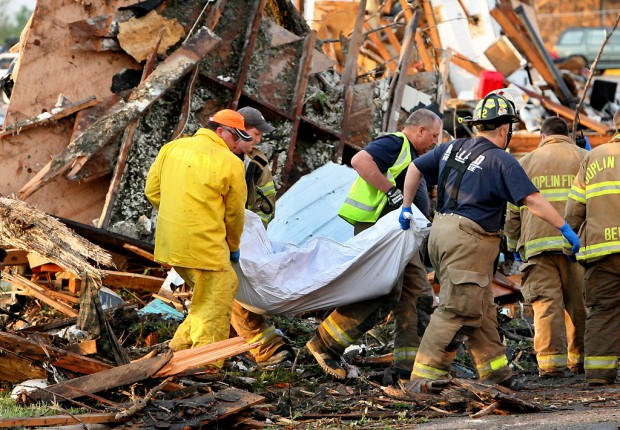 Tornado death toll rises to 122 in Joplin | Metro ...