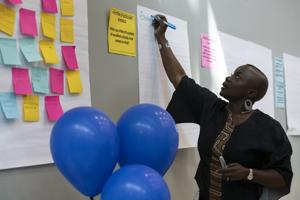 Οι γονείς, εκπαιδευτικούς αέρα ανησυχίες σχετικά με St. Louis κλείσιμο σχολείων στο πρώτο από τα 6 εργαστήρια