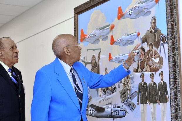 Lt  Col  Alexander Jefferson receives medal 57 years later