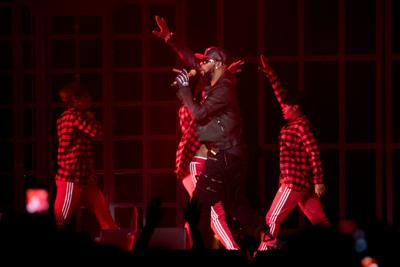 Muting R  Kelly: Our music critic is finished with the Pied