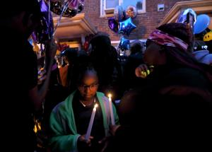 Gemeinde versammelt zu Ehren, drei junge Geschwister, die starb nach St. Louis Wohnung Feuer