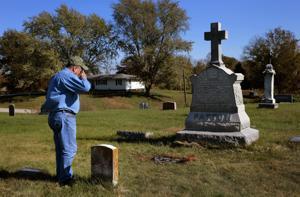 一人の人間のミッションマークのお墓セントルイスの役員で始ま市初の警察署長