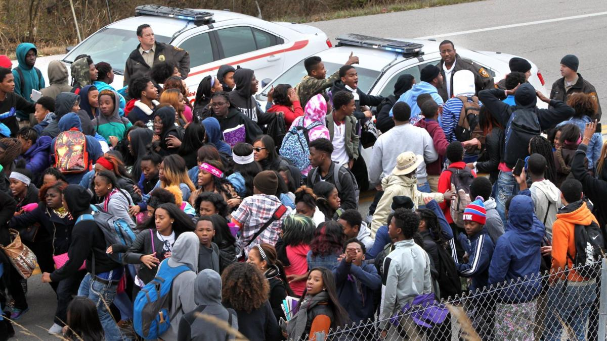 Hazelwood East students walk out, confront police