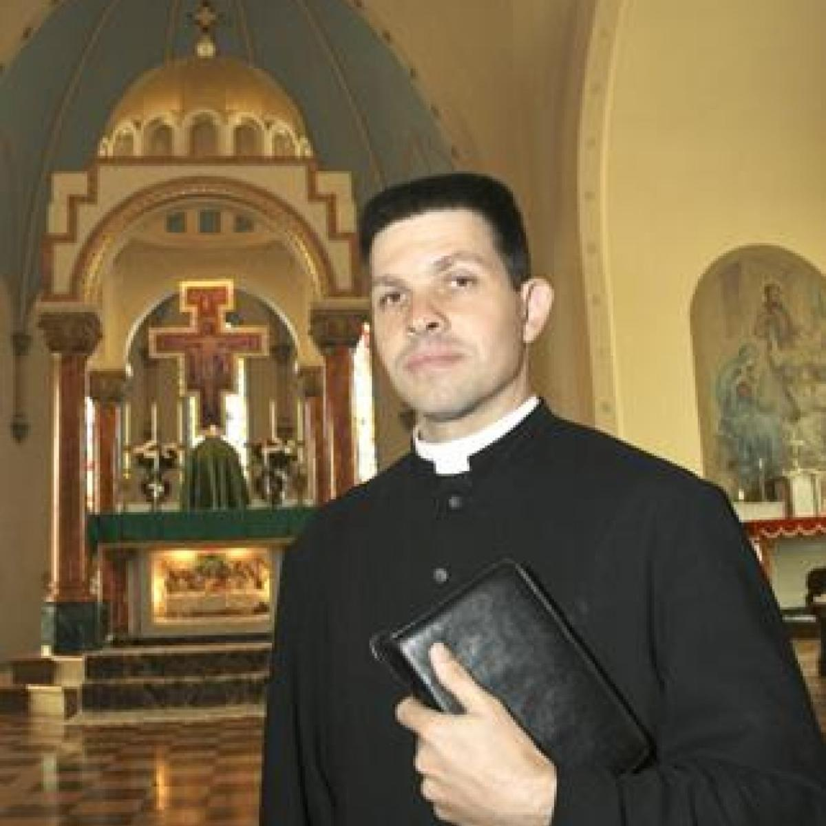How We Worship: Traditional parish at odds with Catholic