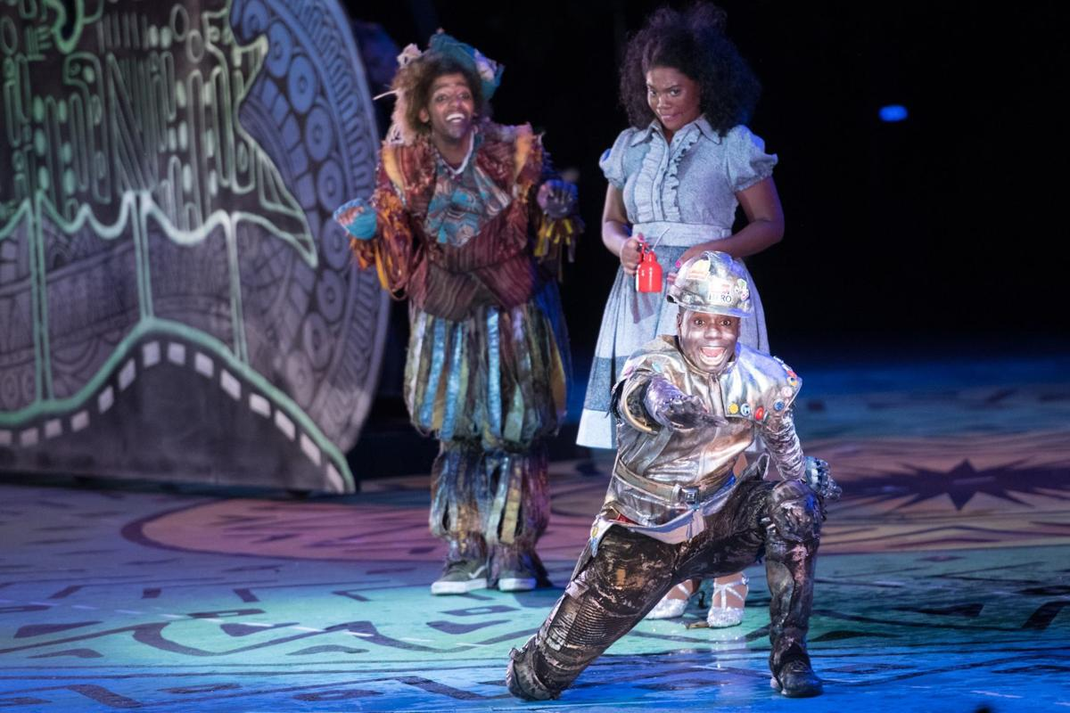 Scene-stealing performances help the Muny's 'Wiz' ease on
