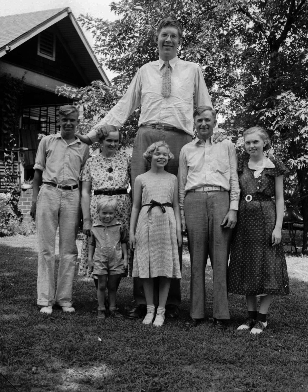 1936: Robert Wadlow