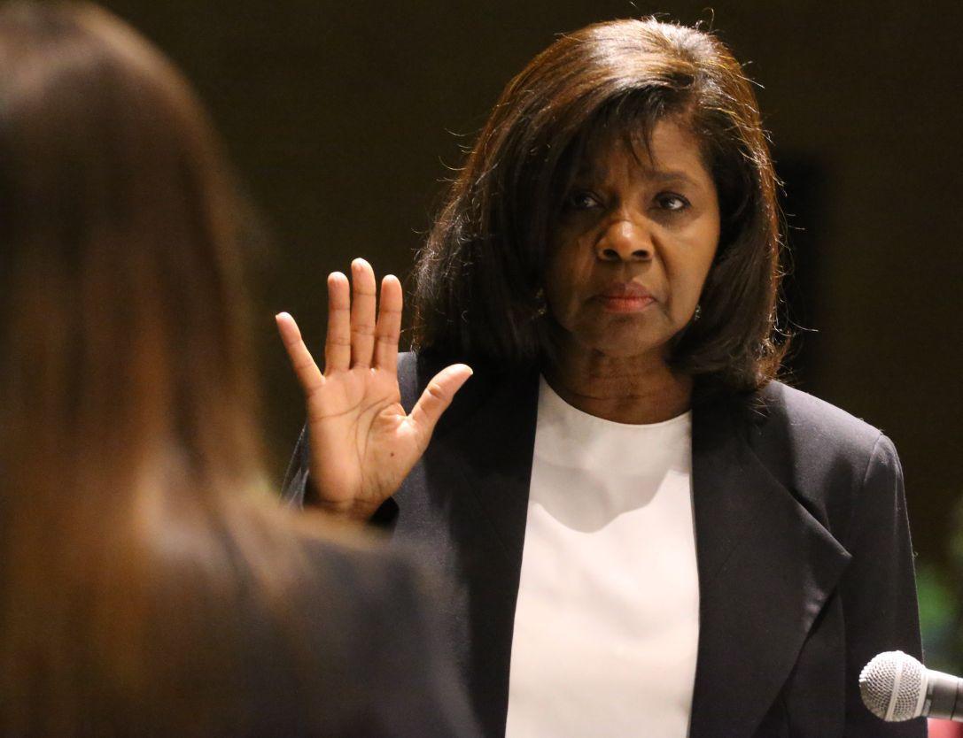 Consent decree proponents disrupt Ferguson meeting
