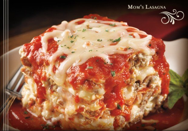Mom S Lasagna At Maggiano S Little Italy
