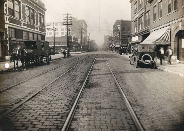 Collinsville Avenue in East St. Louis, 1919