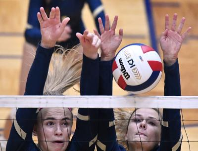 Althoff vs Minooka in 4A Volleyball Sectional Final